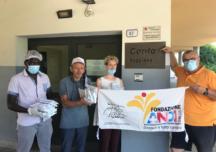 La distribuzione di mascherine da parte di Fondazione ANDI
