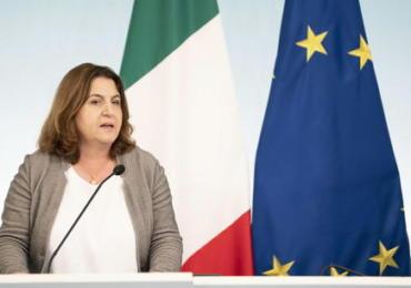 Ministra Catalfo firma per i 600 euro agli iscritti alle Casse