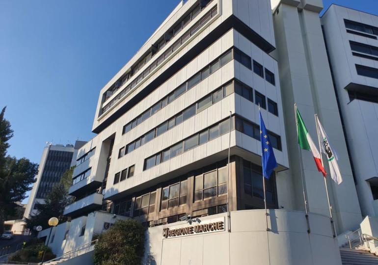 Odontoiatri e personale di studio vaccinato entro marzo nelle Marche