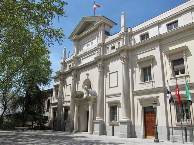 Il Senato spagnolo approva due mozioni dirette a regolare la pubblicità sanitaria e alla protezione dei consumatori