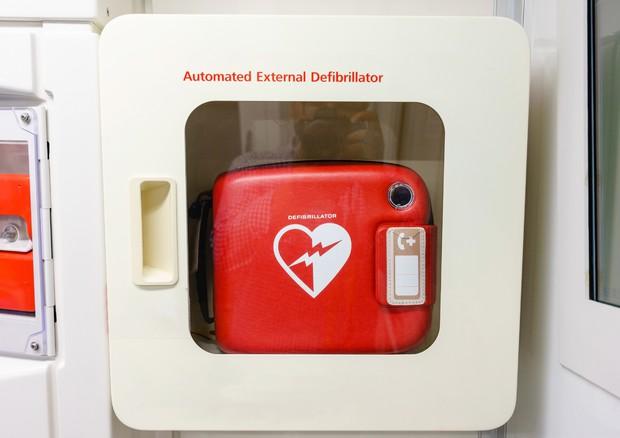 Nessun obbligo per i defibrillatori automatici negli studi dentistici